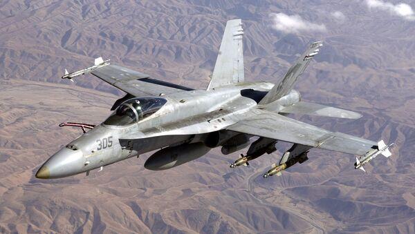 Avión F/A-18 estadounidense - Sputnik Mundo