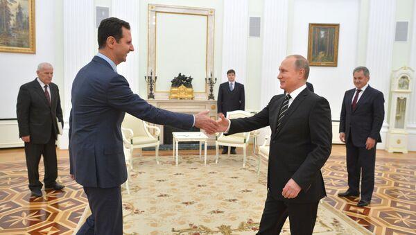 Президент России В.Путин встретился с президентом Сирии Б.Асадом - Sputnik Mundo