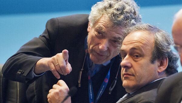 La cabeza visible de la UEFA, Ángel María Villar y el máximo representante de la UEFA, Michel Platini - Sputnik Mundo