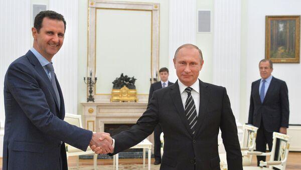 El presidente de Siria. Bashar al Asad y el presidente de Rusia, Vladímir Putin - Sputnik Mundo
