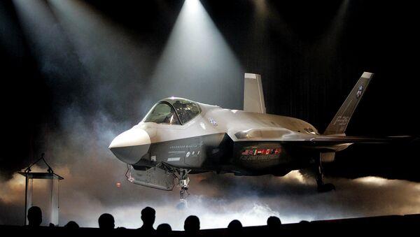 Caza estadounidense F-35 - Sputnik Mundo