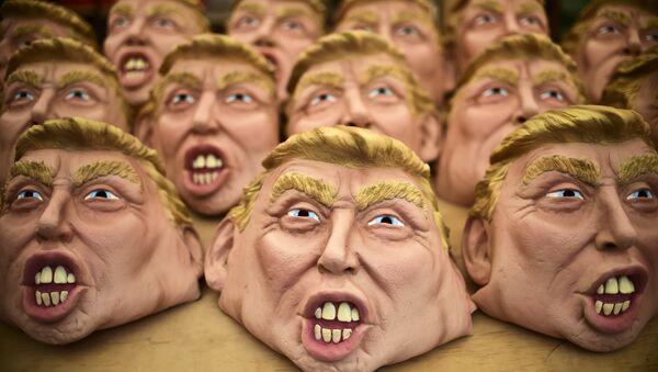 Máscaras de Donald Trump para la Noche de Brujas - Sputnik Mundo