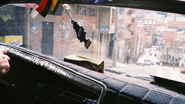 Chofer boliviano en La Paz - Sputnik Mundo