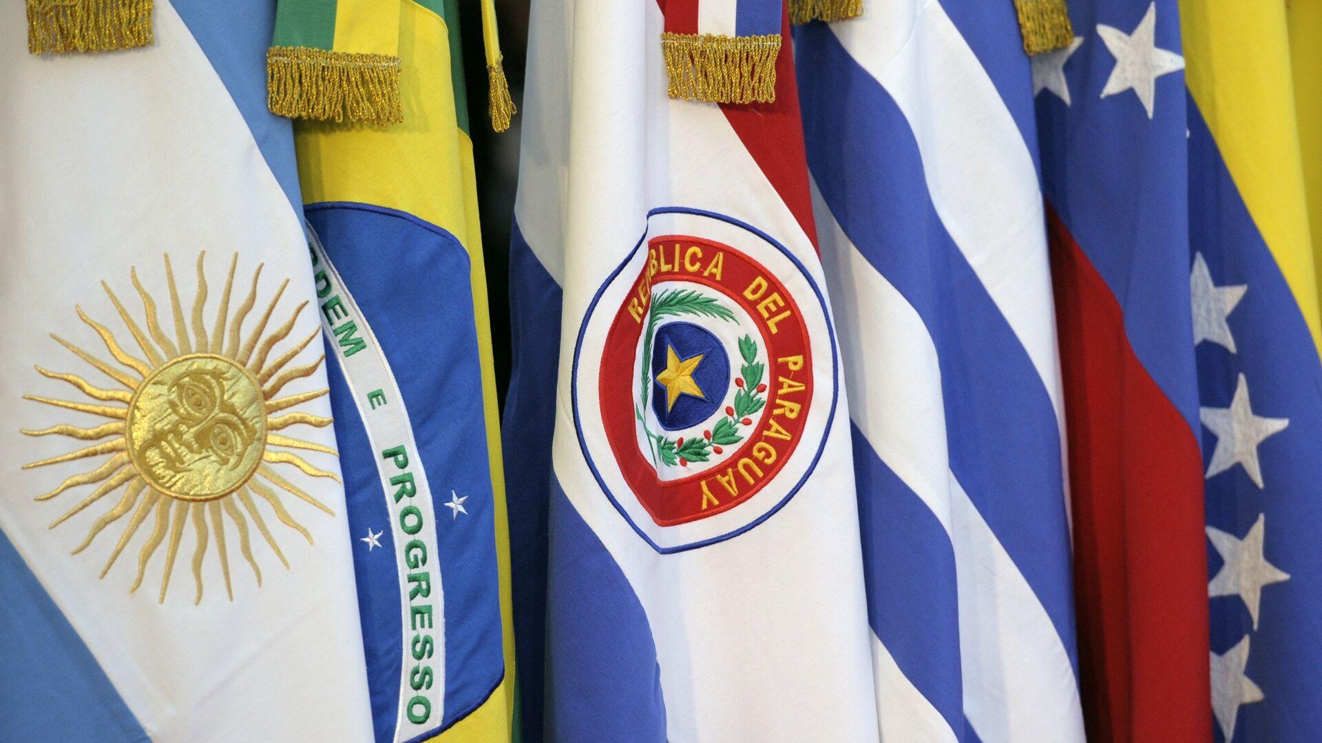 Banderas de los Estados miembros del Mercosur - Sputnik Mundo, 1920, 07.05.2021