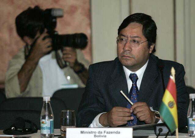 Luis Arce Catacora, candidato del Movimiento Al Socialismo (MAS) de Bolivia