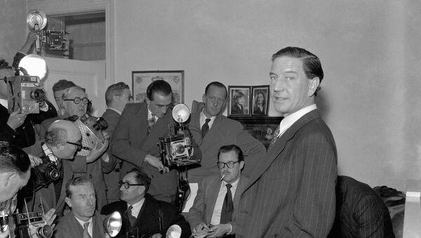 Kim Philby en una conferencia de prensa, 1955 - Sputnik Mundo