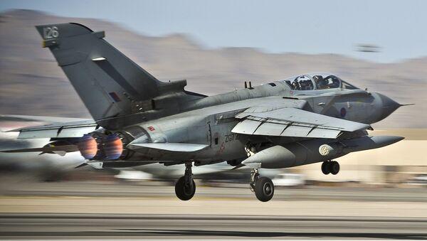 Caza Tornado GR4 de la RAF británica - Sputnik Mundo