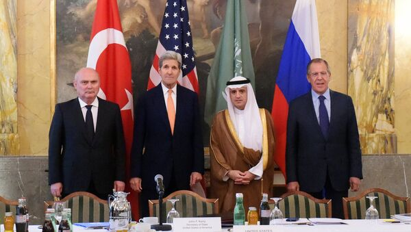 Ministros de Asuntos Exteriores de Turquía, EEUU, Arabia Saudí y Rusia en Viena, el 23 de octubre, 2015 - Sputnik Mundo