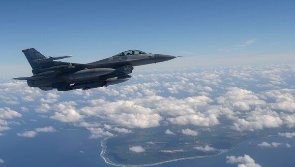 F-16 de la Fuerza Aérea de EEUU - Sputnik Mundo
