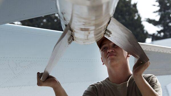 Técnico de mantenimiento de aeronaves en el aeródromo de Hmeymim en Siria (Archivo) - Sputnik Mundo
