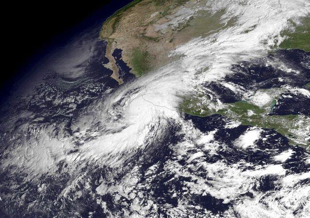 Huracán Patricia, visto desde el espacio