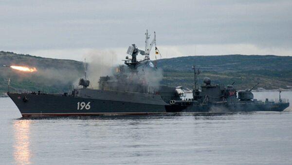 Buque Brest en el mar de Barents - Sputnik Mundo
