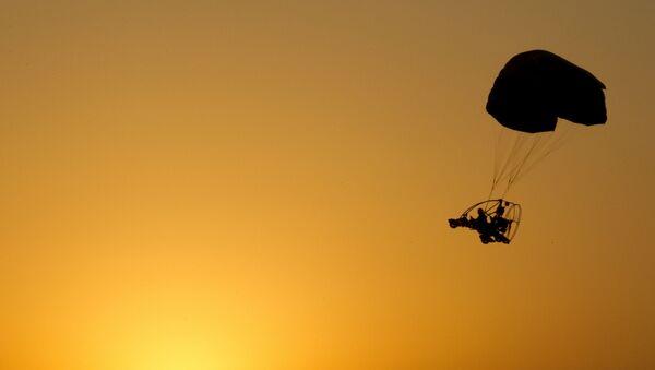 Un parapente vuela en Israel (Archivo) - Sputnik Mundo