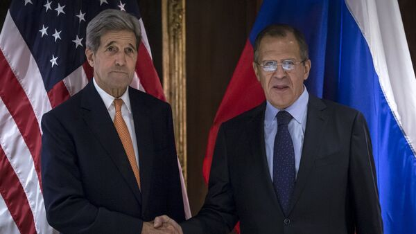 Secretario de Estado de EEUU, John Kerry y ministro de Exteriores de Rusia, Serguéi Lavrov - Sputnik Mundo