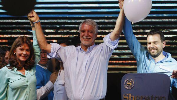 Enrique Peñalosa, candidato a la alcaldía de Bogotá - Sputnik Mundo