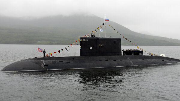 Uno de los submarinos rusos clase Kilo (archivo) - Sputnik Mundo