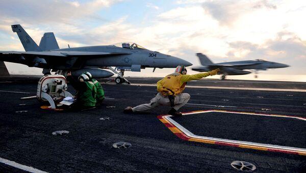 F/A-18 Super Hornet, cazabombardero estadounidense - Sputnik Mundo