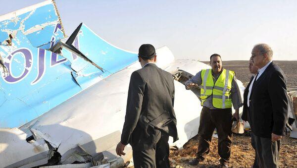 Sherif Ismail, primer ministro de Egipto, en el lugar del siniestro - Sputnik Mundo