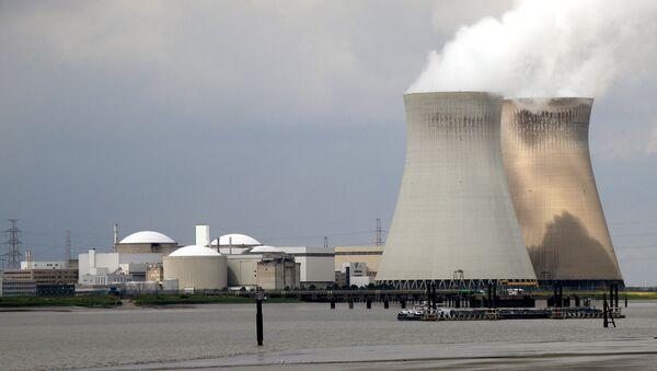 Central nuclear de Doel, Bélgica - Sputnik Mundo