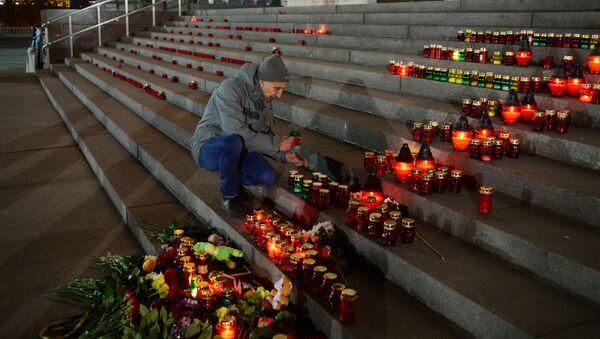 Las velas en homenaje a las víctimas del atentado del A321 sobre el Sinaí - Sputnik Mundo