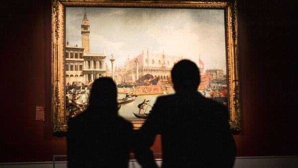 Visitantes del Museo Estatal de Bellas Artes Pushkin - Sputnik Mundo