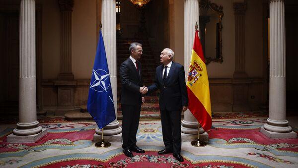 Secretario general de la OTAN, Jens Stoltenberg y ministro de Asuntos Exteriores de España, José Manuel García Margallo - Sputnik Mundo