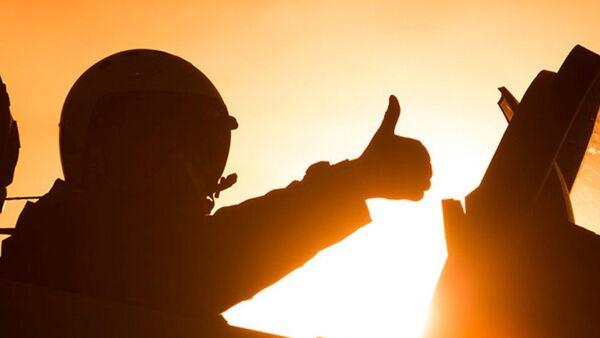 Piloto de las Fuerzas Aeroespaciales de Rusia durante la operación contra el EI en Siria - Sputnik Mundo