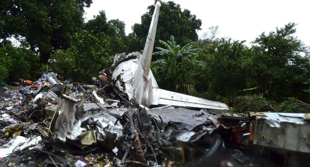 Restos del avión de carga An-12 siniestrado en Sudán del Sur