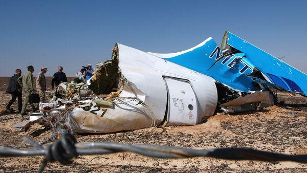 Restos del avión ruso Airbus-321 siniestrado en Egipto - Sputnik Mundo