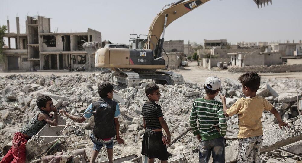 Niños kurdos en Kobani, Siria