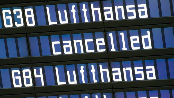 Tablero en el aeropuerto de Munich (Archivo) - Sputnik Mundo