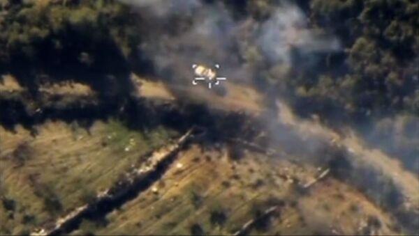 Ataques aéreos de Fuerzas Aéroespaciales de Rusia contra Estado Islámico en la provincia de Latakia en Siria - Sputnik Mundo