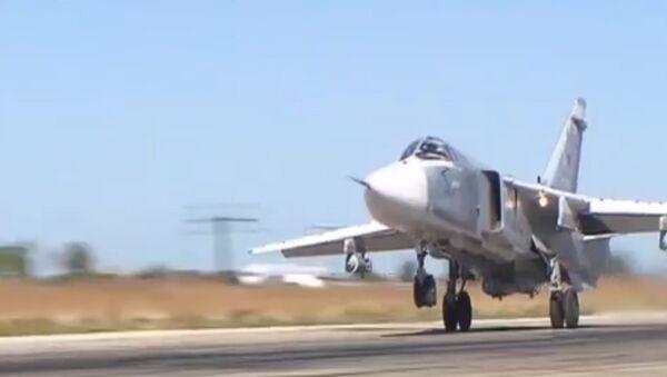 Cómo un Su-24 arroja una bomba en Siria - Sputnik Mundo