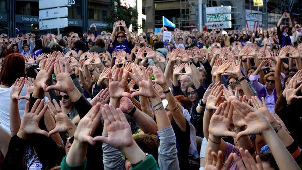 Manifestación contra la violencia de género, Madrid - Sputnik Mundo