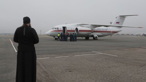 Cuerpos de los pasajeros del A321 siniestrado en Egipto llegan al aeropuerto Púlkovo - Sputnik Mundo