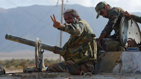 Ejército sirio: ofensiva por tierra y aire - Sputnik Mundo