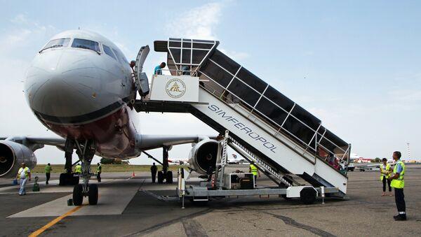 Pasajeros en el aeropuerto de Simferópol - Sputnik Mundo