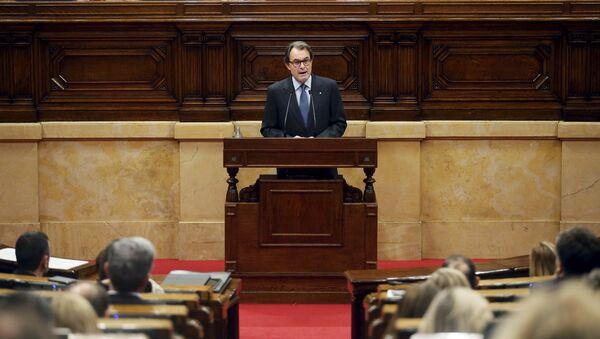 Artur Mas en el Parlamento de Cataluña, 9 de noviembre de 2015 - Sputnik Mundo
