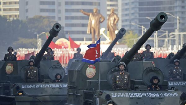 Soldiers in tanks parade in Pyongyang, North Korea, Saturday, Oct. 10, 2015 - Sputnik Mundo