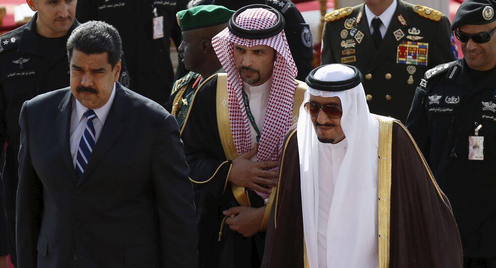 Presidente de Venezuela, Nicolás Maduro (izda.) y rey de Arabia Saudí, Salman Bin Abdelaziz