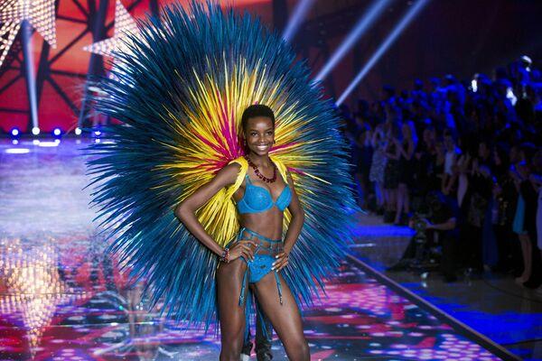 El desfile Victoria's Secret - Sputnik Mundo