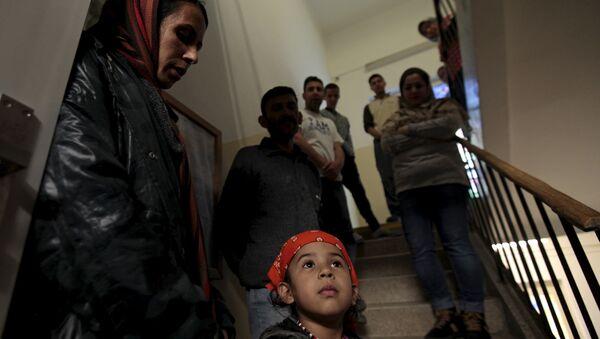 Refugiados en el centro de retención de migrantes ilegales en la República Checa (archivo) - Sputnik Mundo