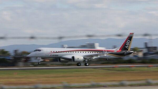 Japón ensaya su primer avión comercial en medio siglo - Sputnik Mundo