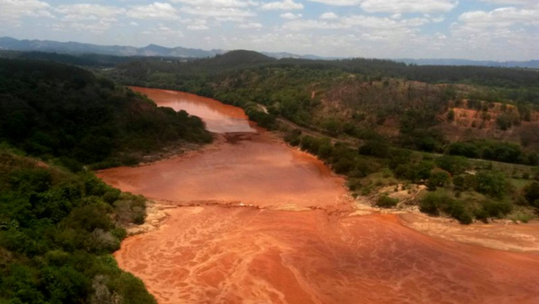 Río Doce en Brasil - Sputnik Mundo