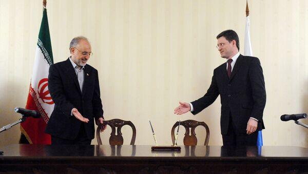 Ministro iraní de Asuntos Exteriores Alí Akbar Salehi y ministro ruso de Energía Alexandr Nóvak - Sputnik Mundo