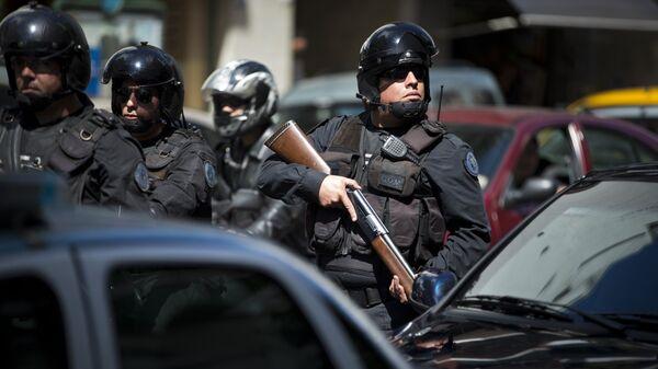 Policía antidrogas durante una operación especial en Buenos Aires (archivo) - Sputnik Mundo