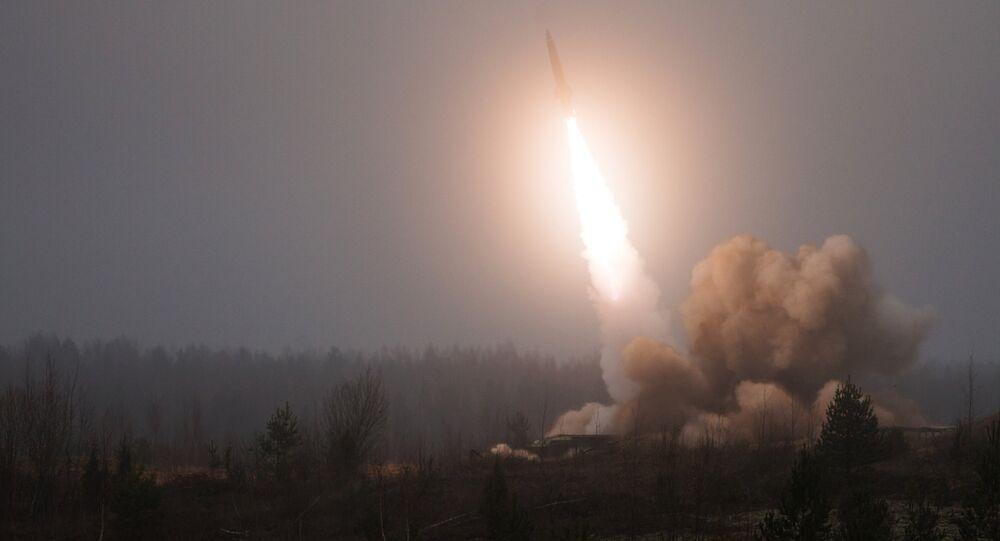 Lanzamiento de misil Tochka-U (archivo)