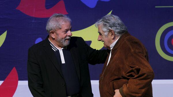 Luis Inacio Lula da Silva (izda.) y José Mujica - Sputnik Mundo