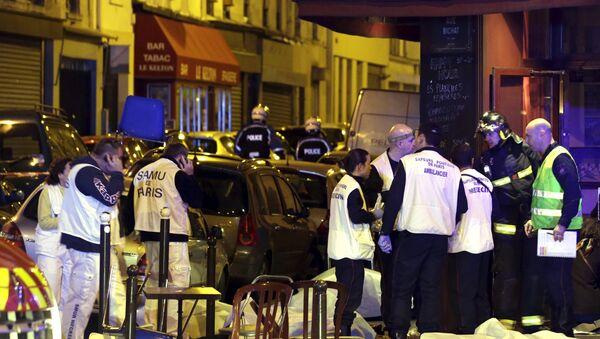 El lugar de uno de los atentados en París - Sputnik Mundo