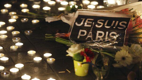 Homenaje a las víctimas de los atentados en París - Sputnik Mundo